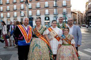 Sara-y-Paloma-con-los-Vendimiadores-mayores