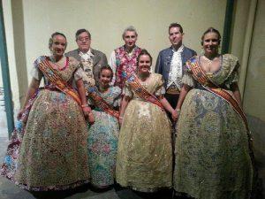 Carla-y-Candela-con-las-Falleras-Mayores-de-Sagunto