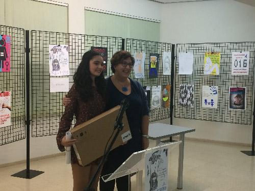 Entrega_premios_concurso_carteles_violencia_genero_ganadora