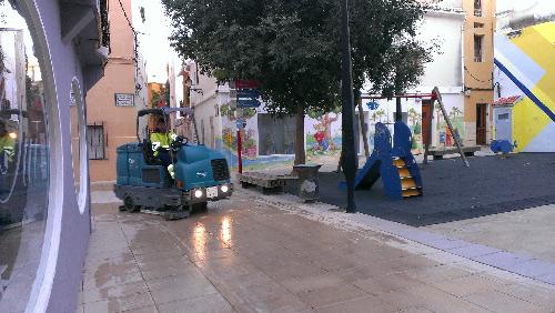 Limpieza_calles_intensiva_fregadora