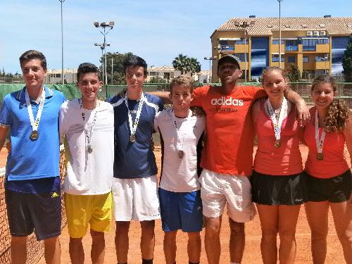 equipos-infantil-y-junior-club-de-tenis