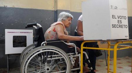 imagen-persona-con-discapacidad