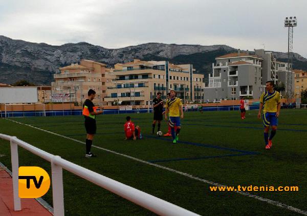 Denia-pego-futbol1