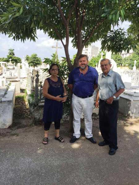 20161019_visita_cementerio_la_habana_con_familiares_juan_chabas
