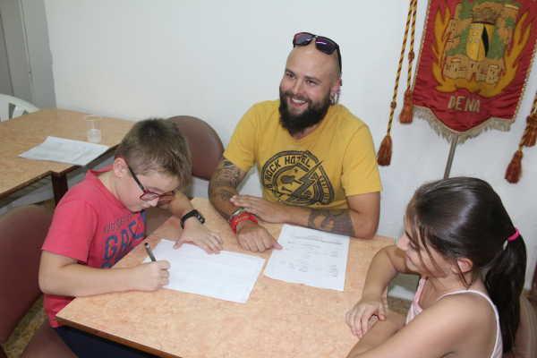 firma-de-contarto-diana-cheli-2