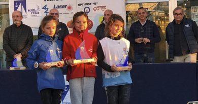 Carlota Gómez, del Real Club Náutico Dénia, consigue el segundo puesto en la categoría femenina Sub-16 en Benidorm