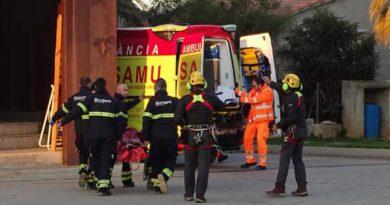 Los bomberos rescatan a una escaladora tras caer de una altura de 5 metros en Alcalalí