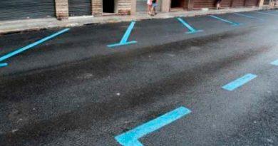 La Asociación de Empresarios y Comerciantes de Teulada- Moraira (AECO) exige reactivar la zona azul en sus respectivos cascos urbanos