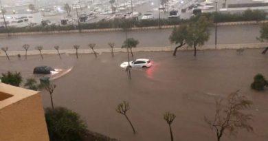 Calles cortadas , inundadas con los más de 100 litros de lluvia en Dénia en 12 horas