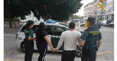 """Tres detenidos en Calpe por delitos de hurto mediante el método del """"abrazo"""""""