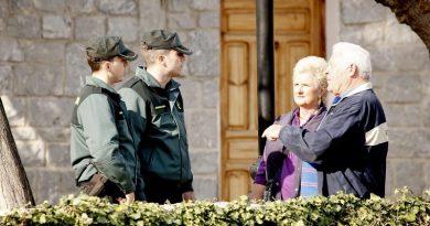 La Guardia Civil detiene en Calpe a tres hombres por estafar 17000 euros con el timo del tocomocho