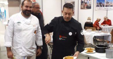 Un grupo de chefs muestra la cocina tradicional e innovadora de la Marina Alta en Bourg en Bresse (Francia)