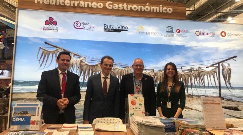 Pedro Duque, Herick Campos y Carolina Pascual presentes en el estand de Dénia en FITUR