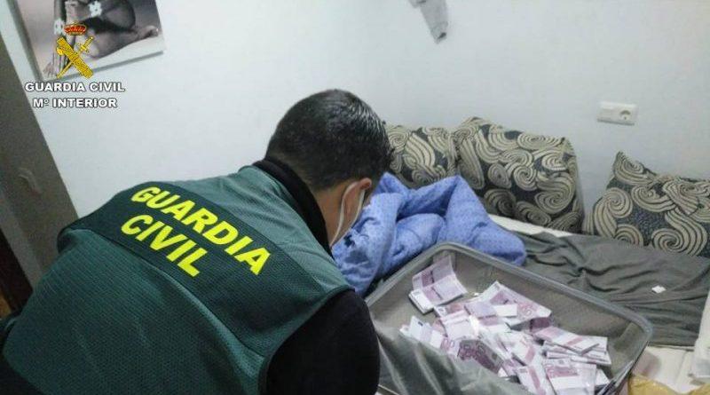 La Guardia Civil de la Marina Alta destapa una estafa de 50.000 euros con el método rip deal