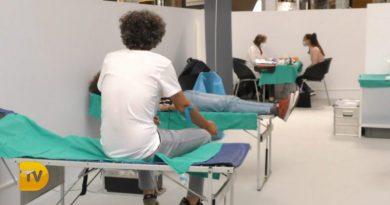 Dona sangre en «La Gran Donación» del CC Portal de la Marina