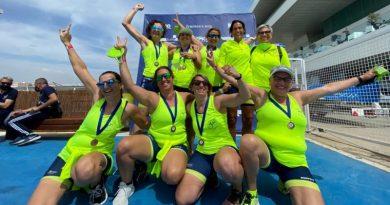 Las veteranas del Club Rem Marina de Dénia se proclaman campeonas de liga
