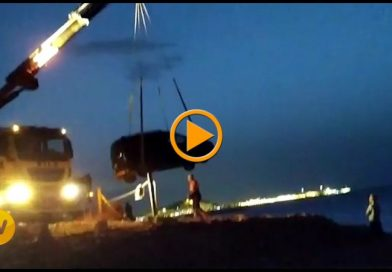 Vídeo del rescate del turismo que se precipitó al mar en Les Rotes