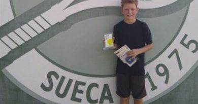 Austin Feltham, del Club de Tenis Dénia, campeón del Torneo Tecnifibre en Sueca